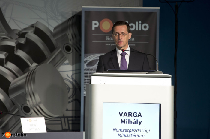 Mihály Varga (Minister for National Economy, Ministry for National Economy): The importance of e-mobility; governmental efforts to support sustainable traffic