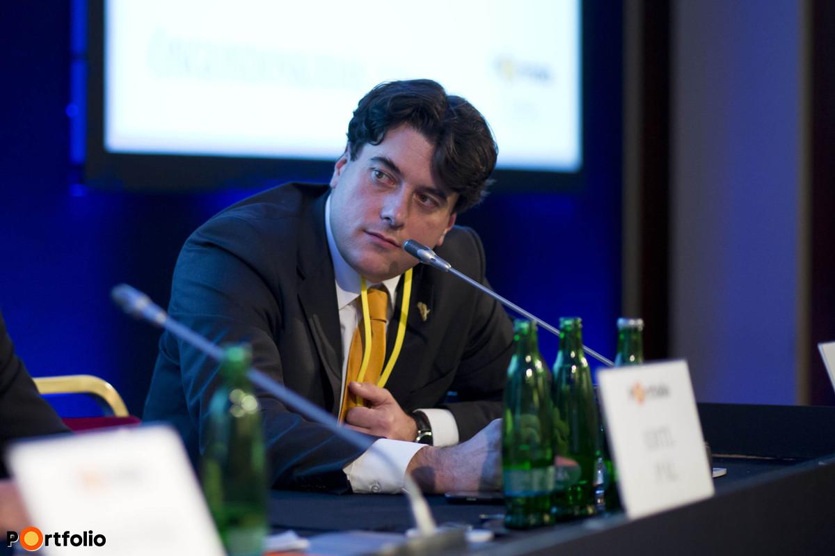 Etikus életbiztosítások: biztosítói tervek és az első tapasztalatok. Moderátor: Gaál Csaba (alapító tulajdonos, vezérigazgató, Private Quality Pénzügyi Tanácsadó Zrt.).