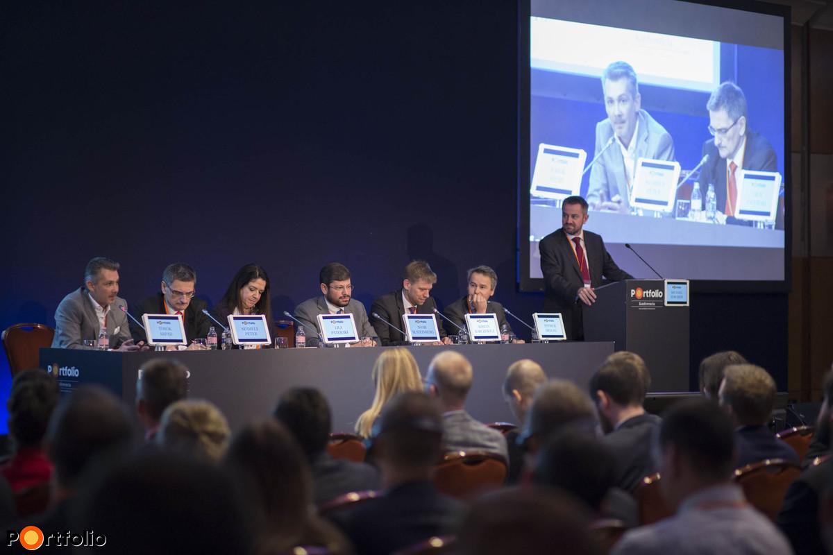 Lendületben Közép- Európa: végre Magyarország is felkerült a térképre. A beszélgetés résztvevői: Török Árpád MRICS (vezérigazgató, TriGranit), Számely Péter MRICS (KKE finanszírozási vezető, Hypo NOE), Lila Pateraki (Director, Zeus Capital Management), Noah M. Steinberg FRICS (Chairman of RICS in Hungary, CEO-Chairman, WING), Adrian Karczewicz (Transaction Director, Skanska Commercial Development Europe), Patrick Delcol (CEO for CEE, BNP Paritas Real Estate) és a moderátor, Michael Edwards MRICS (Head of Valuation & Advisory, Central Europe, Head of Capital Markets Hungary, Cushman & Wakefield).