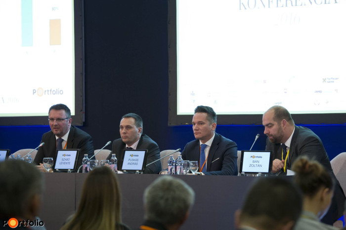 Panel discussion: Agricultural forum for banking chiefs. Conversation participants: Zoltán Takács (Deputy-CEO, FHB Bank), Levente Szabó (Deputy-CEO, Takarékbank), András Puskás (üzleti vezérigazgató-helyettes, Eximbank) and the moderator, Zoltán Bán (CEO, Net Média Zrt. (Portfolio))
