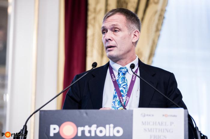 "Michael P. Smithing FRICS (Former Chairman of RICS in Hungary LEED AP ID+C, BREEAM Assessor, BREEAM In-Use Assessor Director, Green Building Advisory, Colliers): RenoValue: az Európai Unió \""Intelligent Energy Europe\"" programja ingatlan értékbecslők számára"