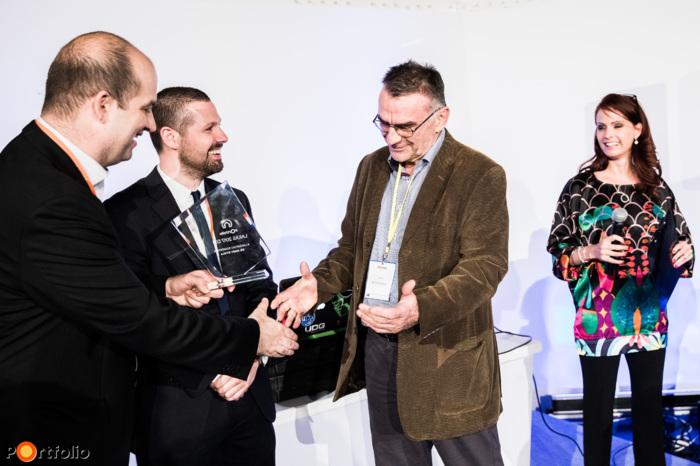 A legjobb fejlesztők mellett a Portfolio kiosztotta a Lakáspiac szakértője díjat is, melyet idén Dr. Nagy Gyula, az FHB Jelzálogbank Nyrt. főosztályvezetője, az FHB partner-refinanszírozásának és az FHB Lakásárindex projektjének vezetője vehetett át (Fotó: Stiller Ákos)
