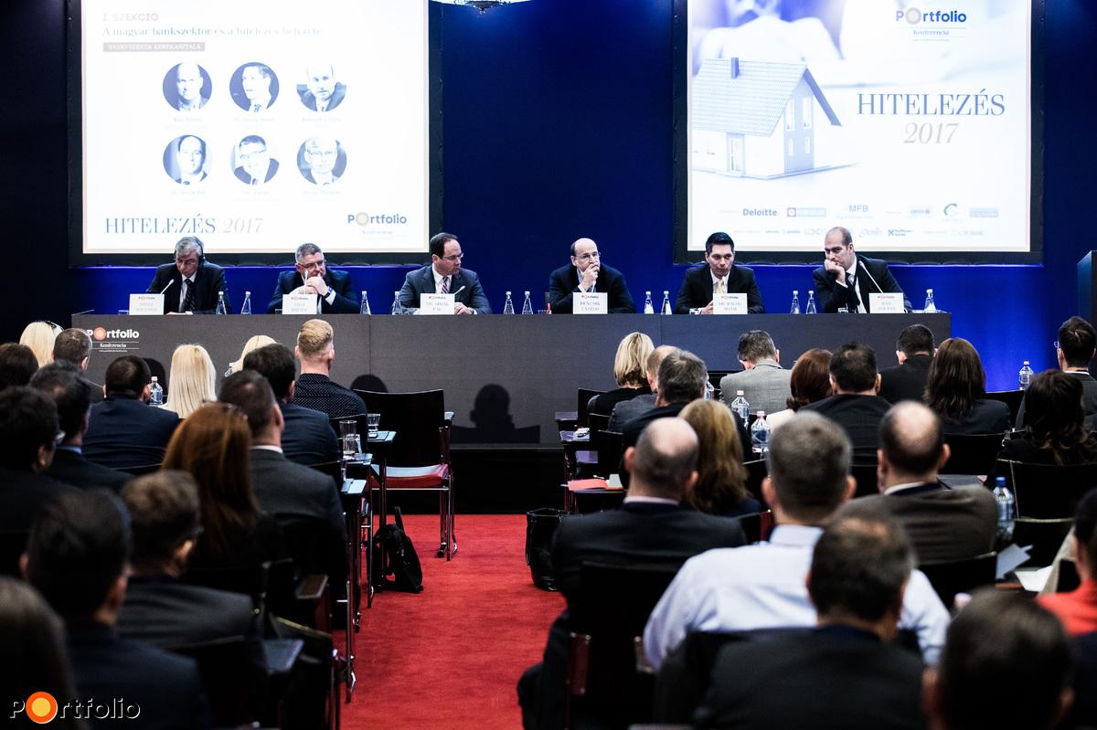 Bankvezérek kerekasztala. A beszélgetés résztvevői: Heinz Wiedner (vezérigazgató, Raiffeisen Bank), Vida József (elnök-vezérigazgató, igazgatóság elnöke, Takarékbank, FHB Bank), Dr. Simák Pál (elnök-vezérigazgató, CIB Bank), Bencsik László (vezérigazgató-helyettes, OTP Bank), Dr. Balog Ádám (vezérigazgató, MKB Bank) és a moderátor, Bán Zoltán (vezérigazgató, Net Média Zrt. (Portfolio))