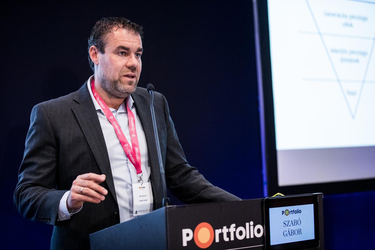 Szabó Gábor (Digital Architect, Microsoft): Láncreakció avagy mi kell az ügyfélnek?