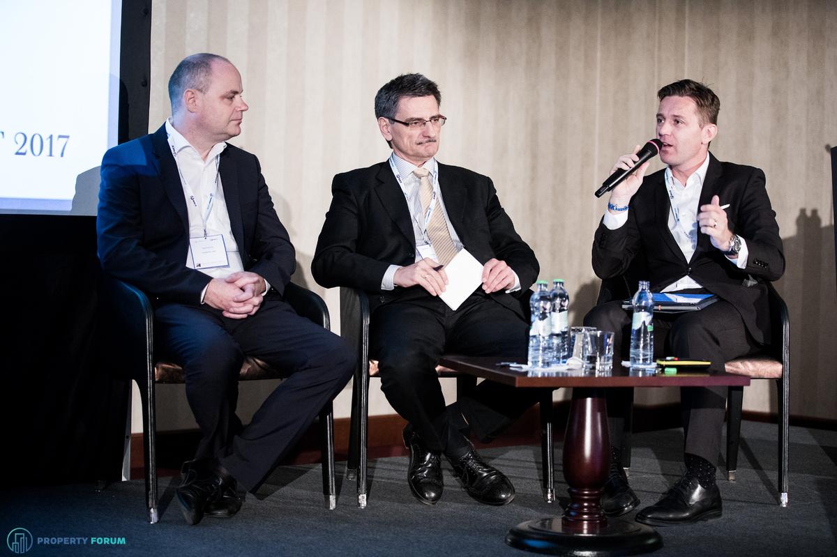 International investors' roundtable – Slovakia/CEE outlook. Jan Kubíček (Consultant for Asset and Portfolio Management Europe, Heitman), Péter Számely MRICS (Head of Real Estate Finance CEE, HYPO Niederösterreich) and Miroslav Barnas MRICS (CEO Czech Republic and Slovakia, Head of Capital Markets, JLL).