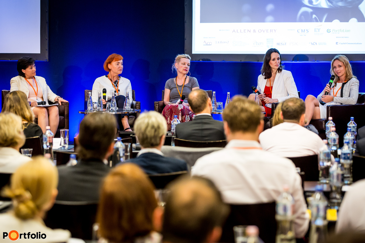 Women in PE sector. Participants of the panel, from left to right: the moderator, Margaret Dezse (Leading Partner Transaction Advisory Service, EY), Marzena Bielecka (Partner, Experior Venture Fund), Krisztina Havas (Partner, Bancroft Private Equity), Éva Réz (Investment Director, Day One Capital) and Magdalena Magnuszewska (Partner, Innova Capital).