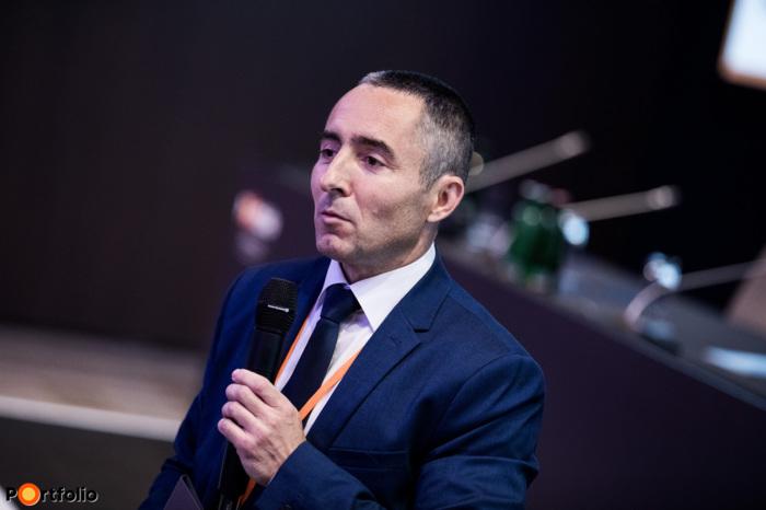 Péter Szentirmay, host of the Award Ceremony