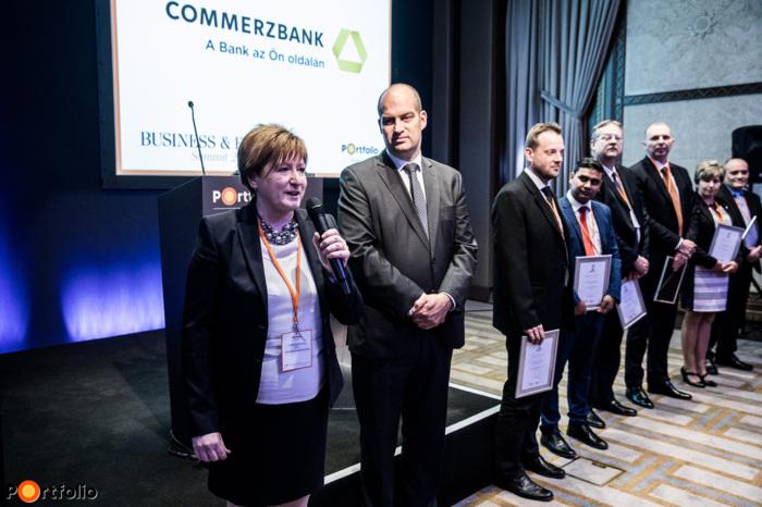 Fülöpné Bogdán Krisztina (Commerzbank), a CFO of the year díjátadó házigazdája
