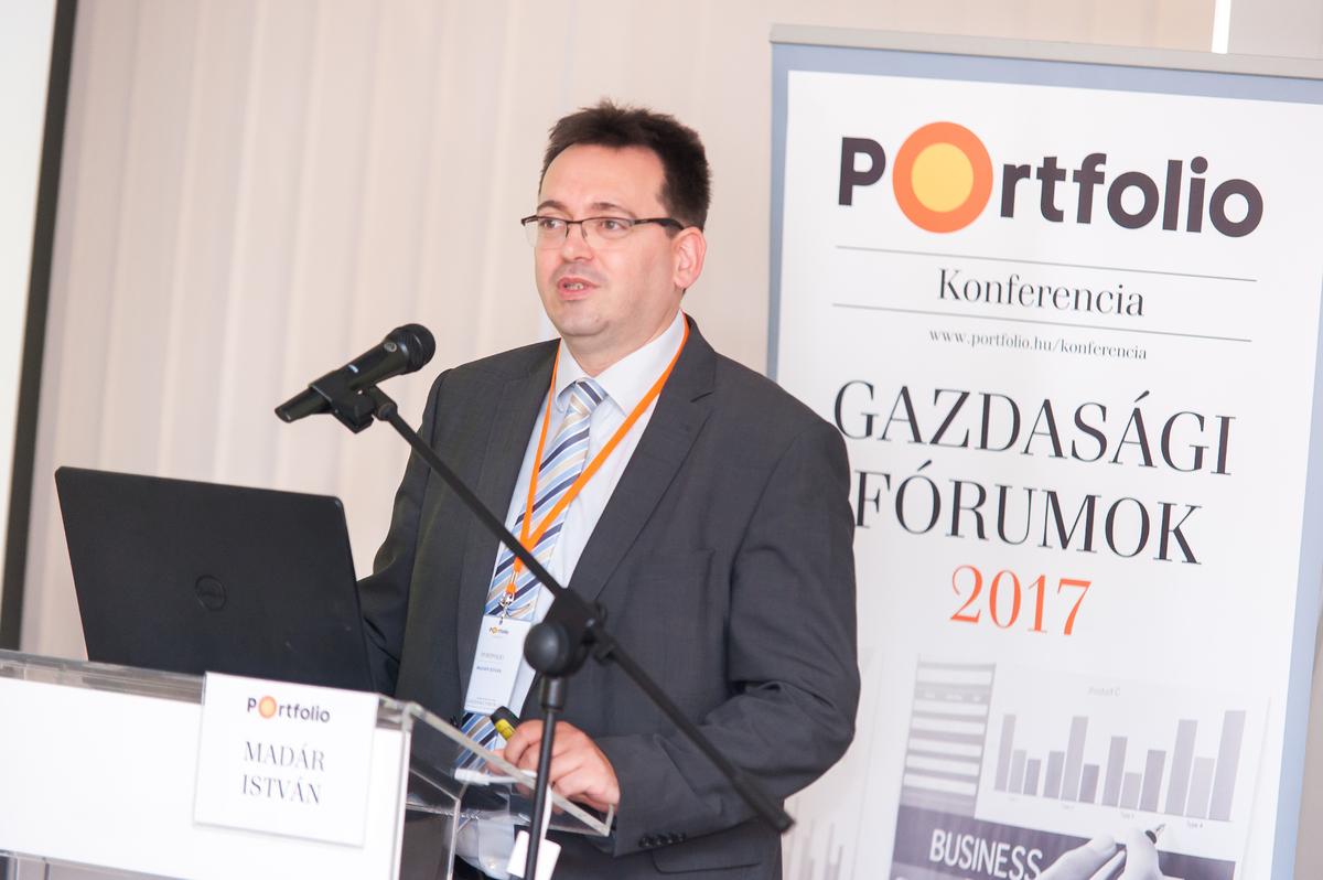 Madár István (vezető elemző, Portfolio): Makrogazdasági áttekintés: Világgazdasági hatások és a magyar növekedési út - mi vár a magyar gazdaságra és a forint árfolyamára?