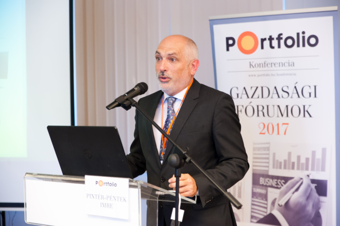 Pintér-Péntek Imre, a Győr-Moson-Sopron megyei Kereskedelmi és Iparkamara elnöke köszöntötte a vendégeket