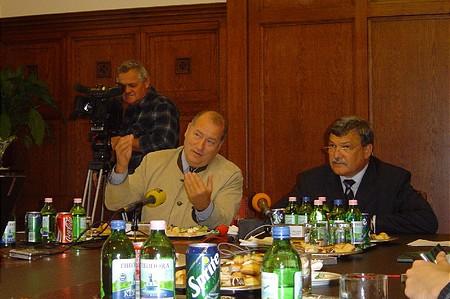 Dr. Edvi Péter, a Nemzetközi Gyerekmentő Szolgálat elnöke és Csányi Sándor