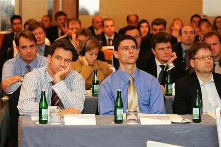 Egy-két ismerős arc a közönség soraiban