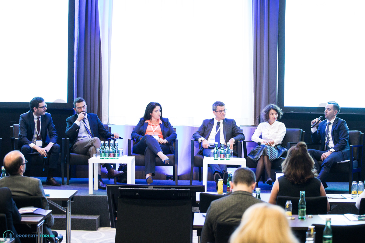 Panel discussion on Romania – Robust economic growth, sustainable development pipeline. Is Romania on the right path this time? Conversation participants: Andrei Vacaru (Associate Director Capital Markets, JLL Romania), Ioannis Xanthopoulos (Principal, Atum Properties), Lila Pateraki (Chief Investment Officer, Zeus Capital Management), Răzvan Gheorghiu-Testa FRICS (Partner and Head of the Real Estate Practice Group, Ţuca Zbârcea & Asociaţii), Ana Dumitrache (Country Manager, CTP) and the chair: Tim Wilkinson MRICS (Partner, Capital Markets, Romania, Cushman & Wakefield Echinox).