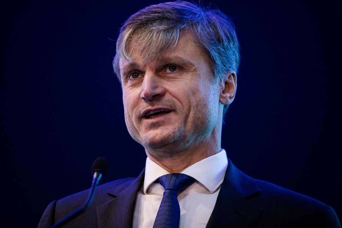 Ságodi Attila (partner, a KPMG kormányzati, infrastruktúra, energetikai és közüzemi ágazatokért felelős vezetője): Az Egységes Energiaunió felé: Mivel járhat Magyarország számára?
