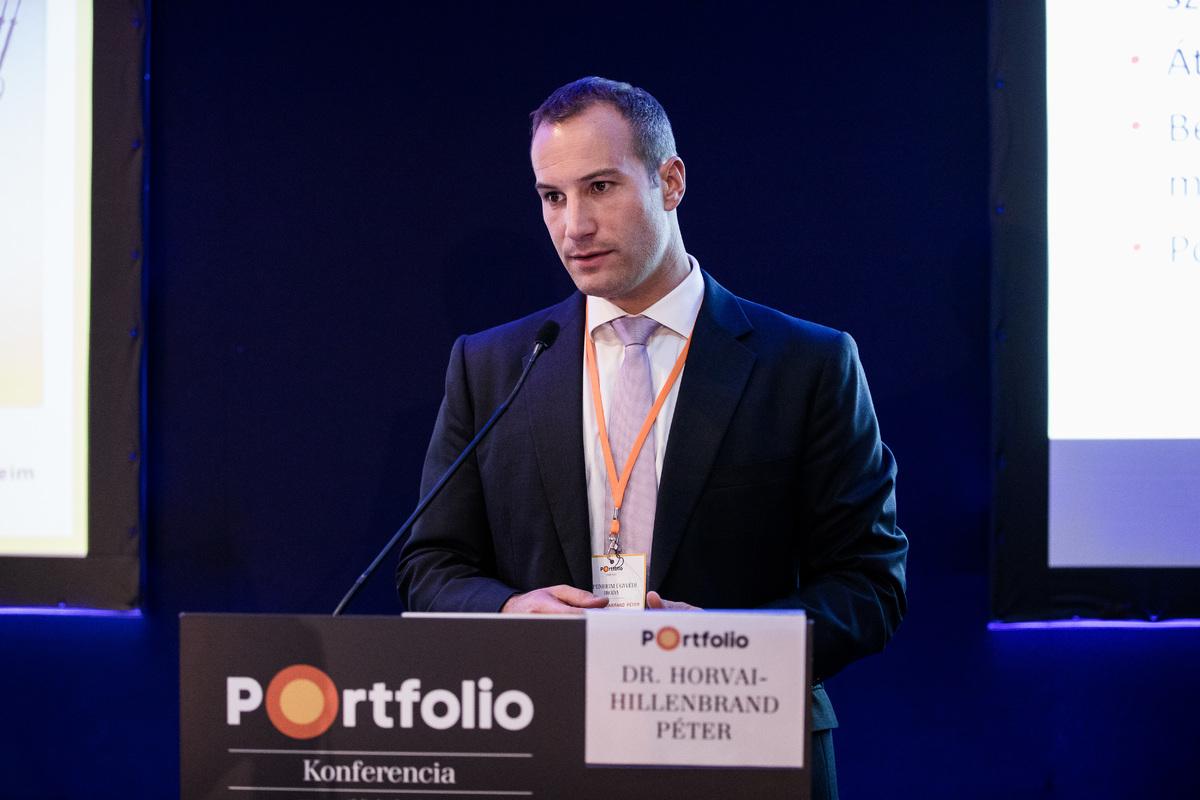dr. Horvai-Hillenbrand Péter (ügyvéd, partner, Oppenheim Ügyvédi Iroda): Szabályozási kockázatok lehetséges kezelése megújuló energia projektek finanszírozásánál