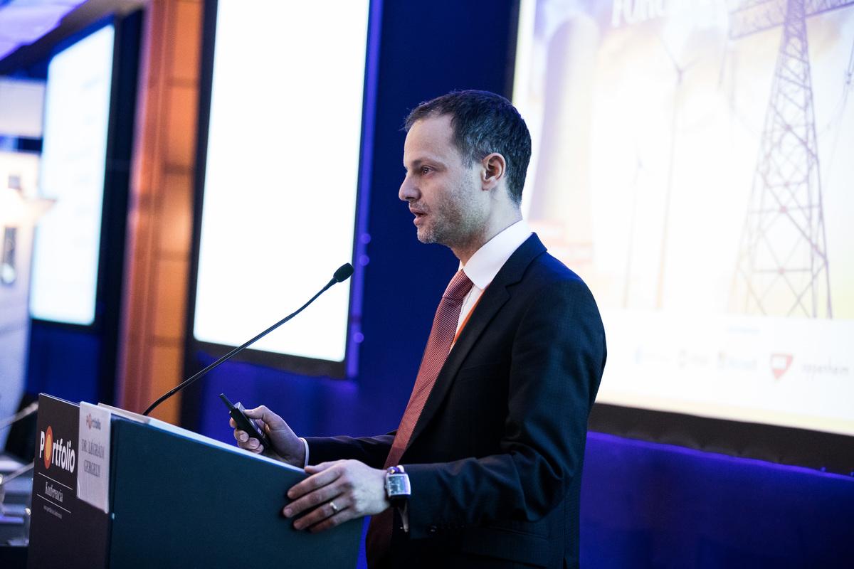 dr. Légrádi Gergely (ügyvéd, partner, Oppenheim Ügyvédi Iroda): Hogyan reagál a jog, a szabályozás az energetikai kihívásokra és trendekre? A szabályozás jövője