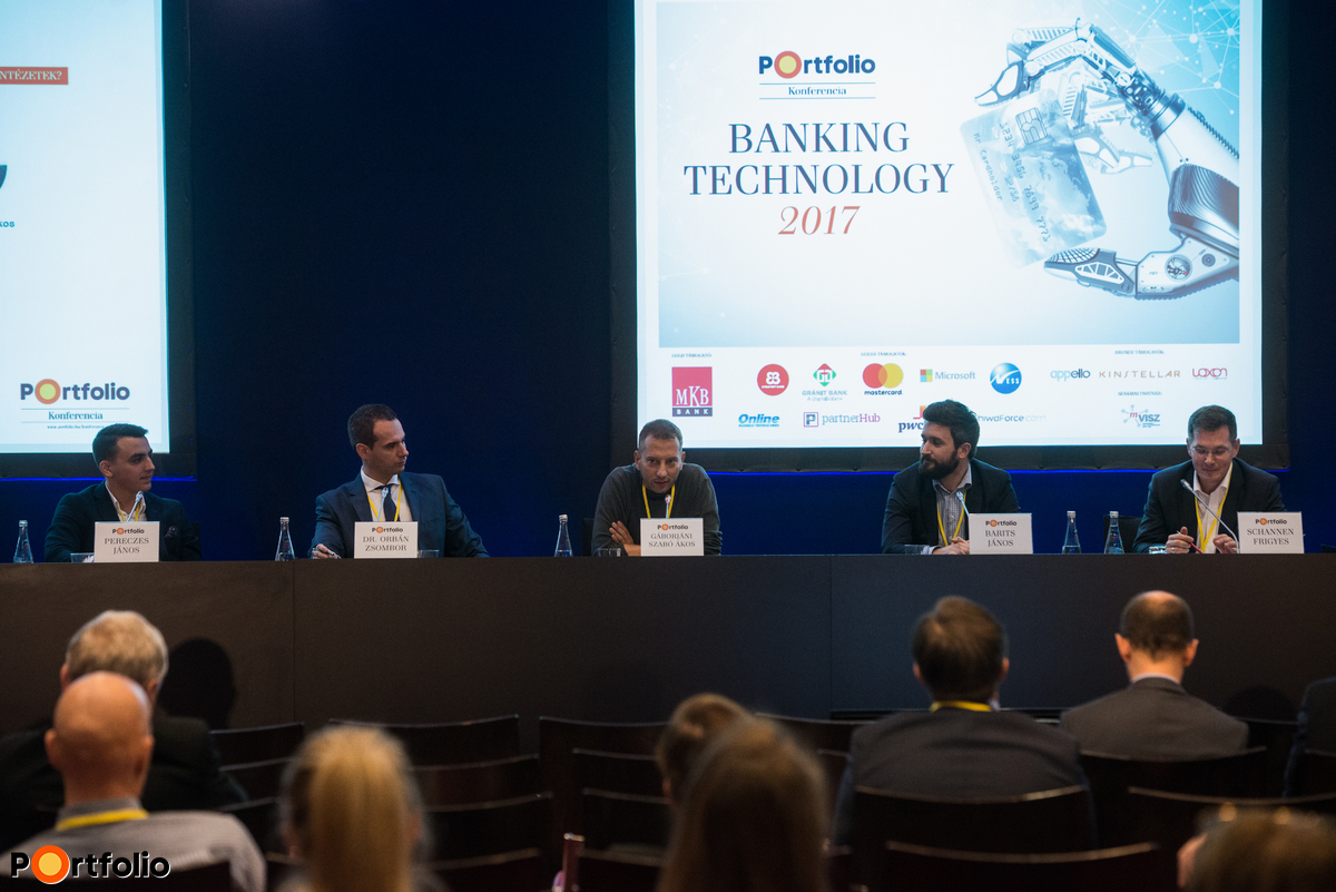 Panel discussion: PSD2 and GDPR are already upon us - Are the financial institutions ready for them? Conversation participants: János Pereczes (CEO, MKB Fintechlab), Zsombor Orbán Dr. (Managing Associate, Head of TMT practice Budapest, Kinstellar), Ákos Gáborjáni Szabó (ügyvezető igazgató, informatika, projekt-menedzsment és e-csatornák, Gránit Bank), János Barits (COO, Wyze Fintech Startup Studio) and the moderator, Frigyes Schannen (Managing Director - Hungary, Roland Berger)