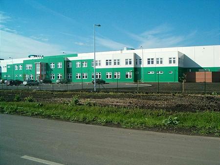 Szolnok, Ipari Park, Gyártócsarnok és irodák