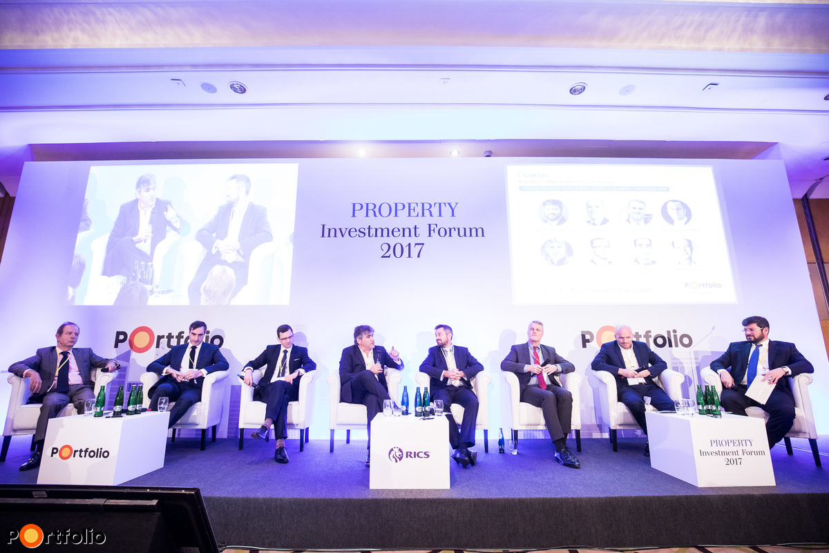 The near future seems bright for CEE – What to expect for 2018?. Participants of the panel: Jean-Bernard Wurm (Co-Founder & Managing Director, Secure Legal Title, London), Benjamin Perez-Ellischewitz MRICS (Regional Director, Head of Capital Markets Hungary, JLL), Jan Hübner (CEO, HB Reavis Hungary), Gábor Futó (Co-Founder / Owner, Futureal), Michael Edwards MRICS (Head of Capital Markets (Hungary) / Valuation & Advisory (Central Europe), Cushman & Wakefield), René Droese (Executive Director Business Unit Property, Budapest Airport), Paul Betts (Managing Director, M7 Real Estate) and the moderator, Noah Steinberg FRICS (Chairman&CEO, Chairman, WING, RICS)