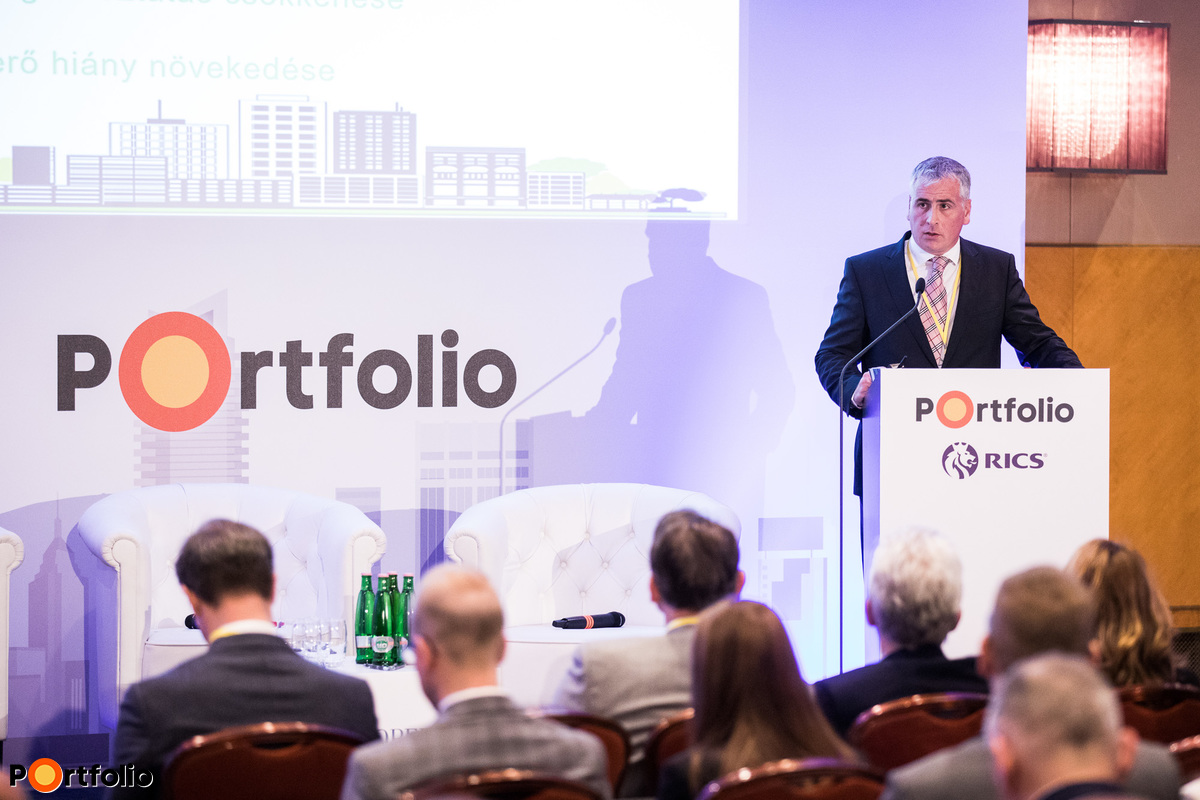 Gábor Décsi MRICS (LEO, benchmarking group leader, DOME Facility Services Group, Managing Director): Facility management's role in the real estate market boom