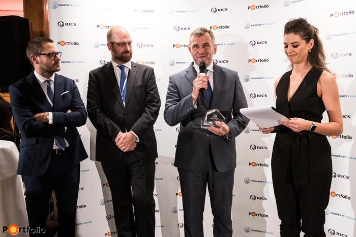 Az év koncepciója: Szervita Square (Horizon Development). A díjat Kovács Attila, a Horizon Development ügyvezető partnere vette át.