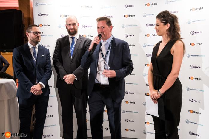 Az év befektetési tranzakciója: CPI Property Group. A díjat Gereben Mátyás, a CPI magyarországi vezetője vette át.