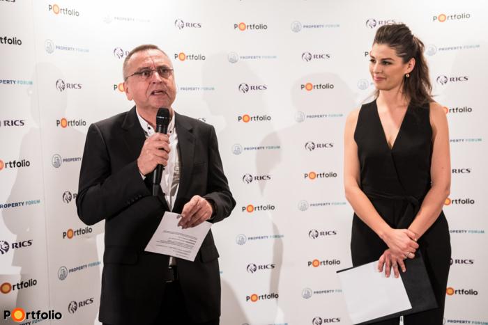 John Verpeleti FRICS adta át a Chris Bennett Memorial Prize nevű díjakat.