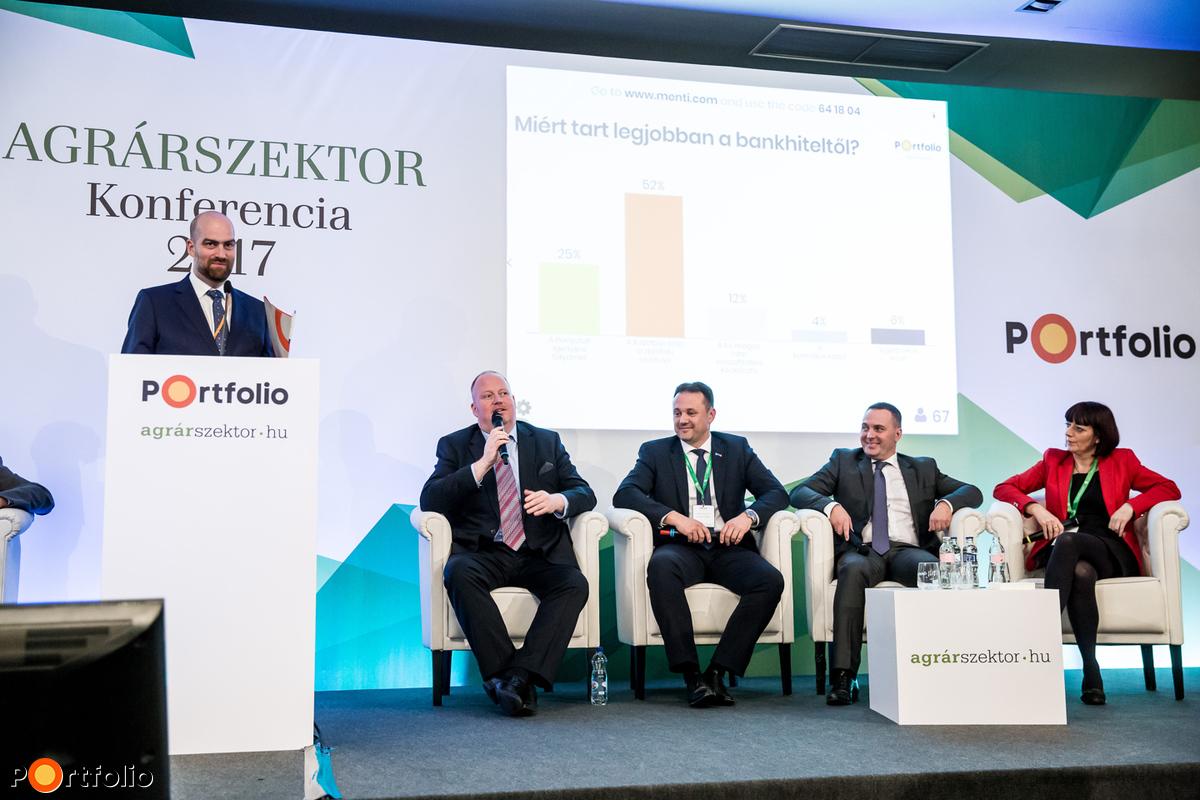 A bankok képviselői: Takáts Zsolt (kereskedelem- és agrárfinanszírozásért felelős vezető, Raiffeisen Bank), Szerdahelyi Róbert (KKV igazgató, Erste Bank), Szabó Levente (vezérigazgató-helyettes, Takarék Csoport), Laurinyecz Anita (igazgató, UniCredit Bank Hungary Zrt.)