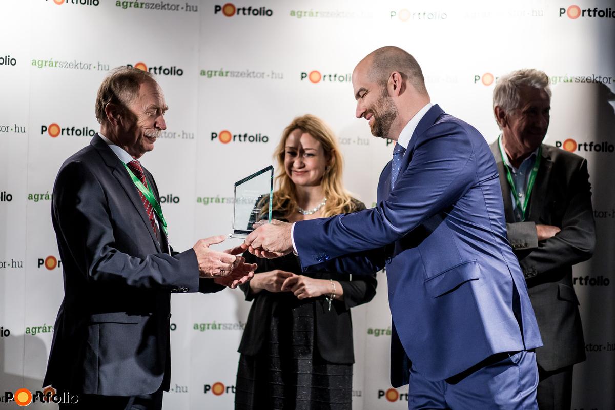 Díjátadó: Balogh Csaba, a Portfolio Agrárgazdaságért Díj egyik nyertese