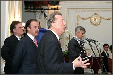 Russell Julius (HSBC), Heinrich Pecina, Kovács F. László