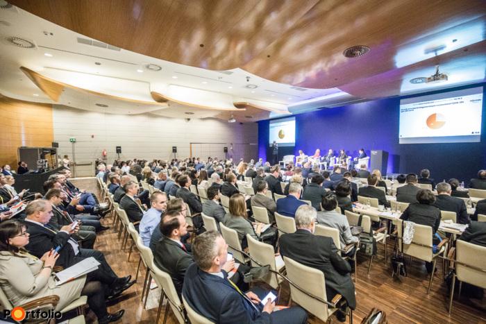 Több, mint 220 fő részvételével került megrendezésre a Portfolio Biztosítás 2018 konferencia a  Boscolo Hotelben