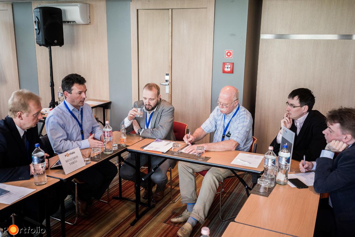 1. asztal Mészáros Tamás (Business Development Manager, TechData) vezetésével - Digitális transzformáció - IBM felhő megoldásokkal