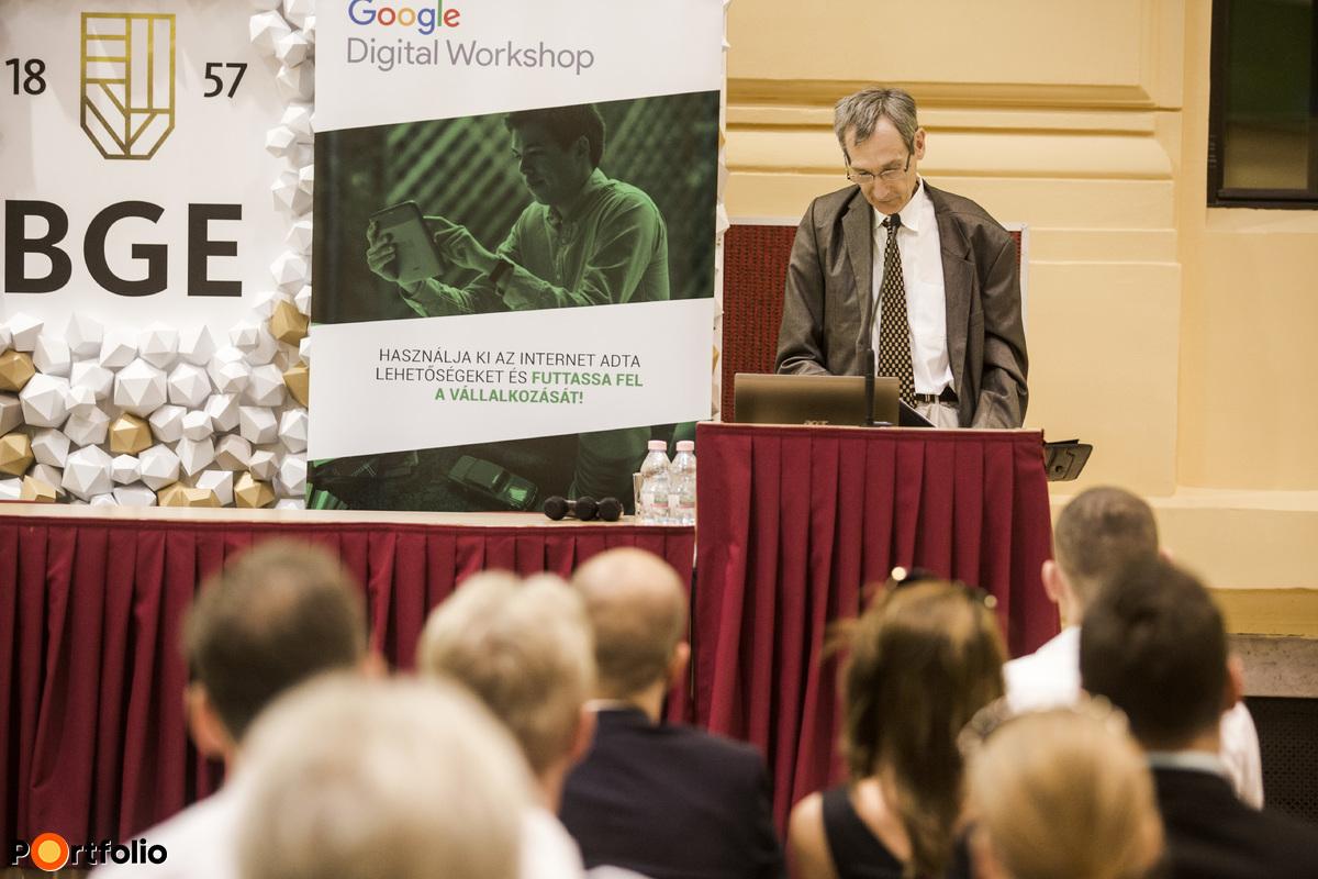 Dr. Nikodémus Antal (főosztályvezető, Nemzetgazdasági Minisztérium - Digitális Gazdaság és Innovációs Főosztály): Nyitóelőadás