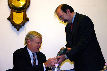 Zsolt Horváth gives replica of the BSE bell to W. H. Donaldson