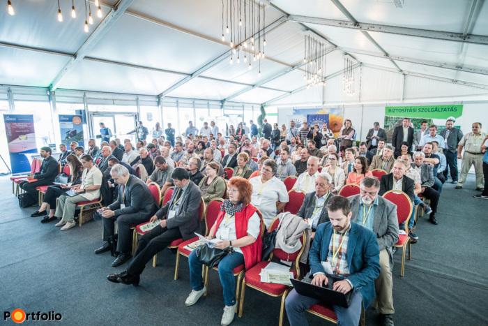 Több, mint 200 fő vett részt idén a pápai Nyugat-magyarországi Agrárfórumon