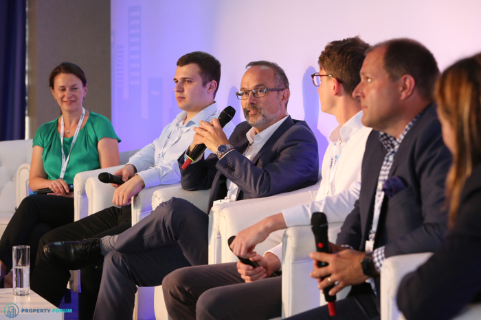 Innovation vs. buildings: the future of the workplace. Jana Vlkova MRICS (Director, Office Agency), Max Verteletskyi (CEO, Spaceti), John Newton MRICS (Managing Director, Tétris)
