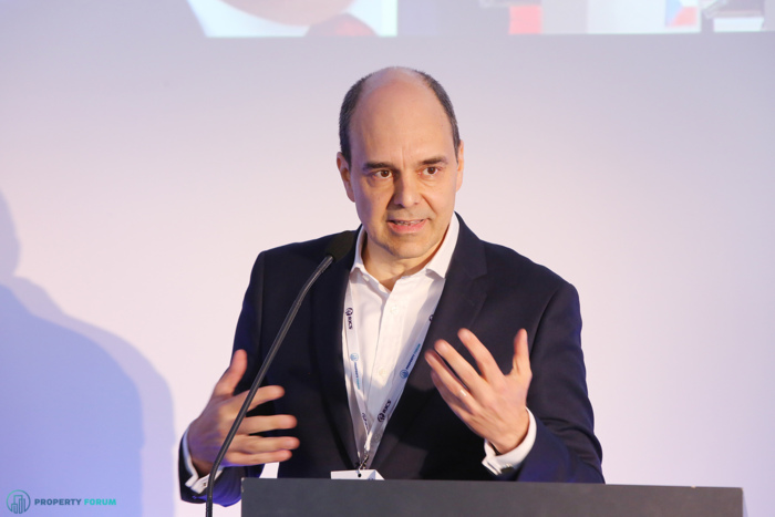 Tamás Polster (Head of Strategic Consulting EMEA, International Partner, Cushman & Wakefield): Corporate centralisation and digitalisation in Europe - Will Central and Eastern Europe benefit from current trends?