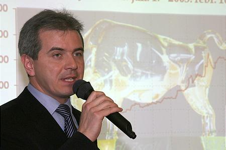 Szalay-Berzeviczy Attila, a BÉT elnöke köszöntőt mond