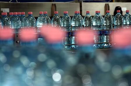 Napi 330,000 liter víz