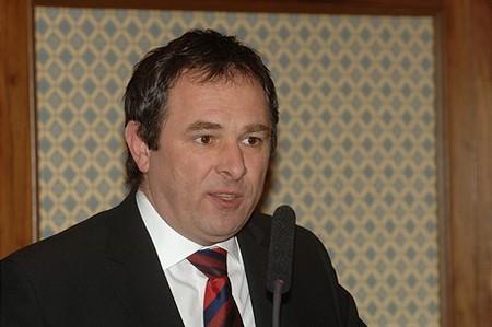 Gyurovszky László