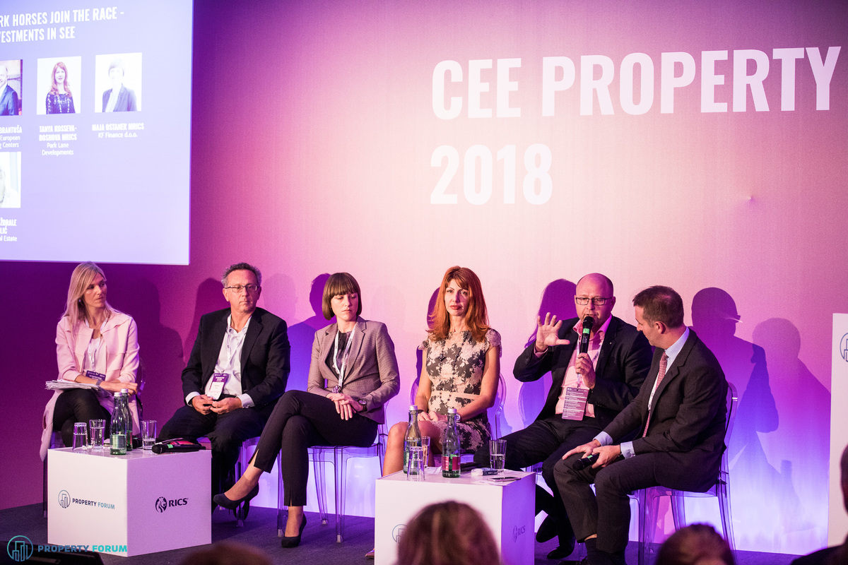 Panel discussion about investments in SEE: Zorana ?drale Burli? (Delta Real Estate), Charalampos Pandis (Bluehouse Capital), Maja Ostanek (KF Finance d.o.o.), Tanya Kosseva-Boshova (Park Lane Developments), Bo?tjan Brantu?a (SES Spar European Shopping Centers), Andrew Peirson (CBRE)