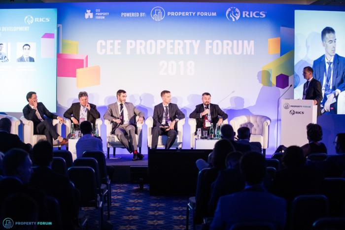 Hungary investment and development roundtable: Dr. Gergely Árendás (Property Market Kft.), Tibor Tatár (Futureal Group), Benjamin Perez-Ellischewitz (JLL), Dr. Zoltán Nádasdy (Noerr), Michael Edwards (Cushman & Wakefield), Zsolt Jakab (RICS in Hungary)