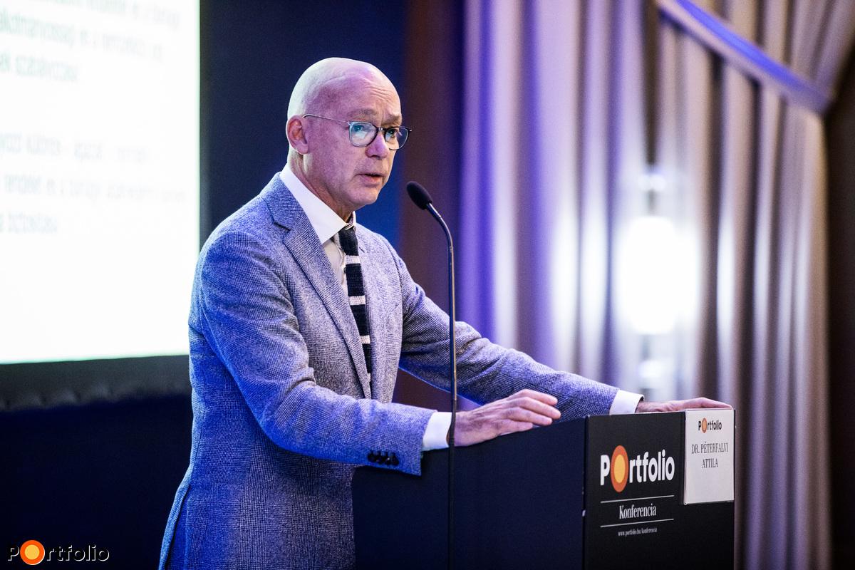 Dr. Péterfalvi Attila (elnök, Nemzeti Adatvédelmi és Információszabadság Hatóság): Változások a háttérszabályozásban - Menetrend és egyeztetések a szektorokkal