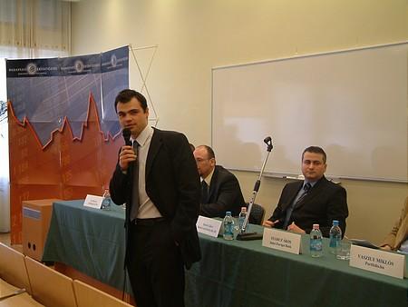 A moderátor: Vaszily Miklós (portfolio.hu)