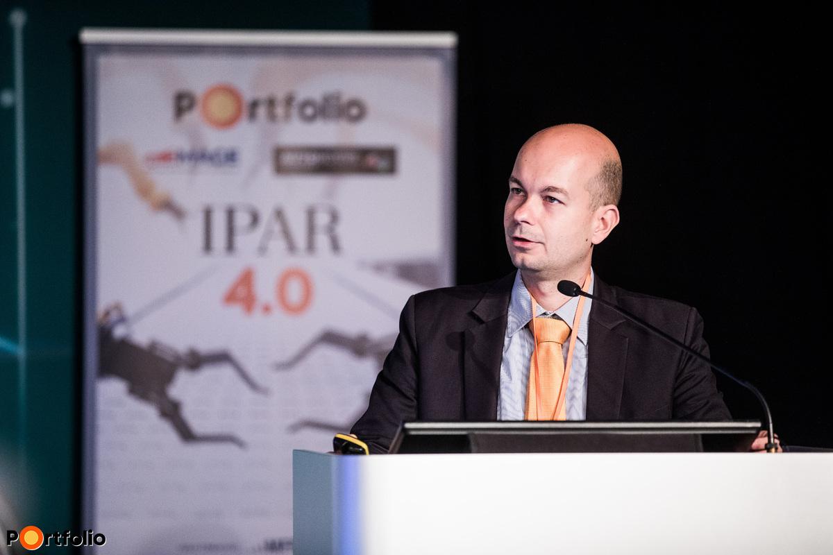 József Török (Director of Business Development and Startup Investments, Széchenyi Tőkealap-kezelő Zrt.): Investment into the digital future