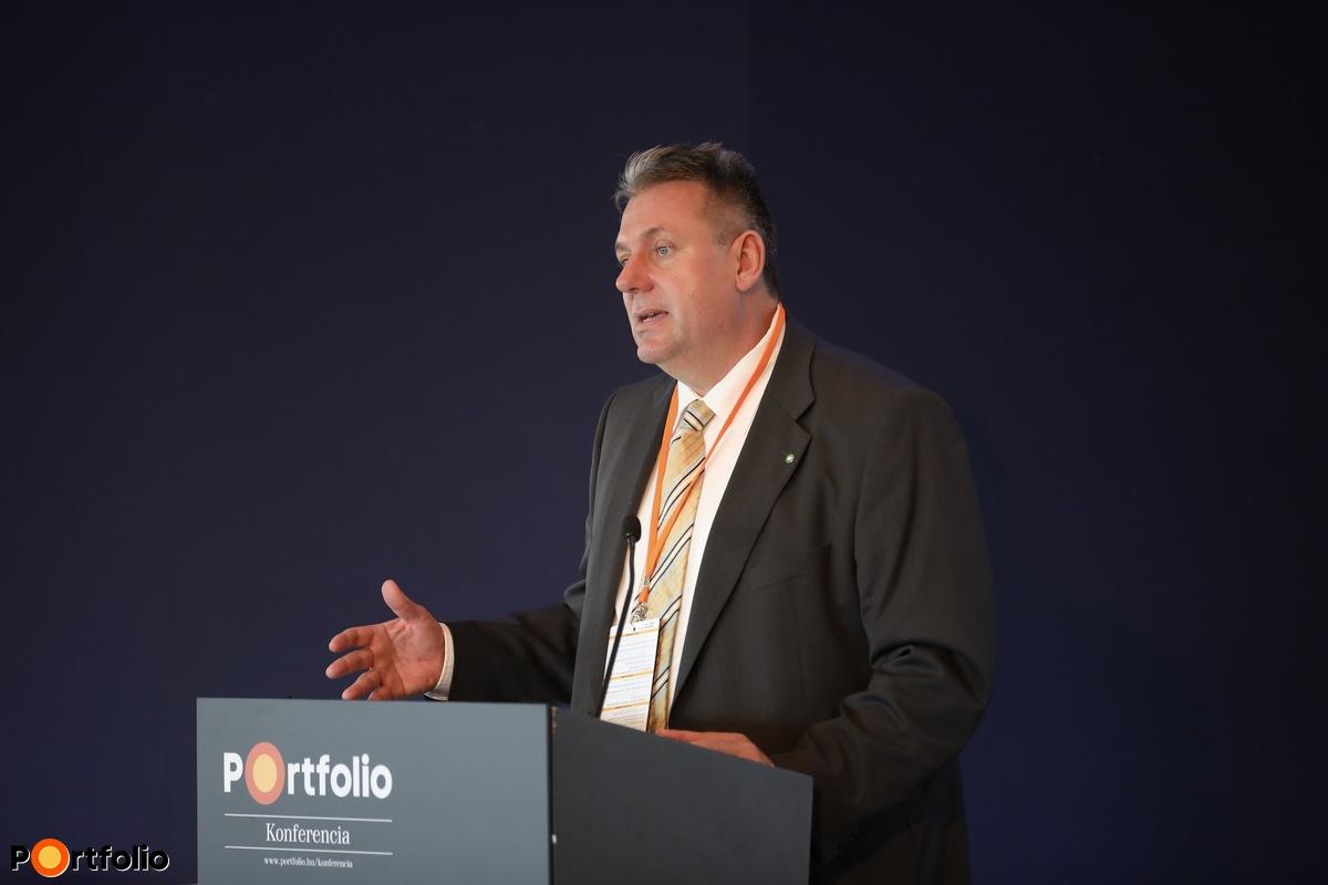 Balog Róbert, kiemelt ügyfelek és termékfejlesztési főosztályvezető, FŐTÁV Zrt.