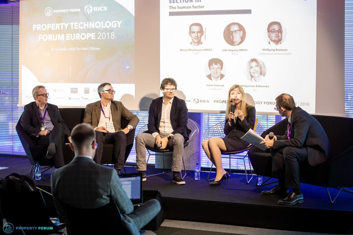 Valuation panel: John Baguley (RICS), Wolfgang Brunauer (Datascience Service GmbH), Adam Sobczak (Cenatorium), Małgorzata Żółtowska (JLL), Maciej Wojcikiewicz (CBRE)