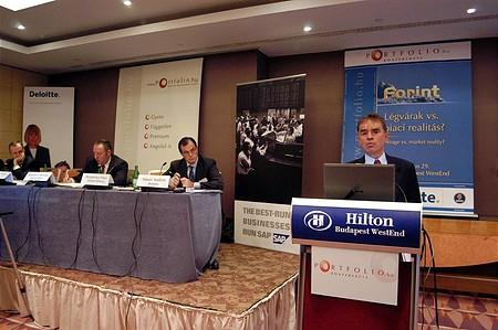 Kovács Álmos (Pénzügyminisztérium): ki kellett volna venni a 300 bp-os kamatemelést a rendszerből (Portfolio.hu Forint Konferencia)