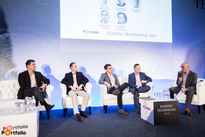 Panelbeszélgetés: Fintech biznisz: B2C helyett B2B - A beszélgetés résztvevői balról jobbra: Szilágyi Péter (Associate Professor, Central European University), Személyi László (program menedzser, Surf Stúdió (K&H Bank innovation hub)), Pereczes János (ügyvezető igazgató, MKB Fintechlab), Fazekas Ferenc (IT és üzemeltetési igazgató, UNIQA Biztosító Zrt. / vezérigazgató helyettes, CHERRISK) és a moderátor, Bálint Viktor (ügyvezető partner, BnL Growth Partners).