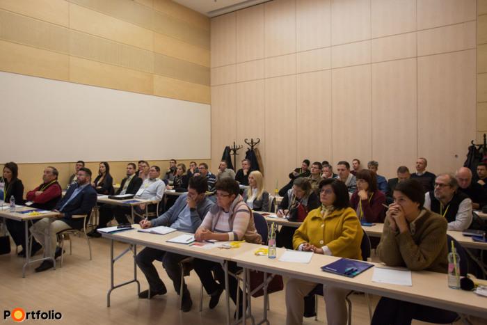 Debrecen: Kamatmentes hitelt kaphat vállalkozása és otthona is